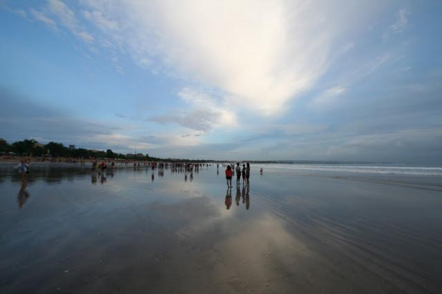 バリ島クタビーチの夕日