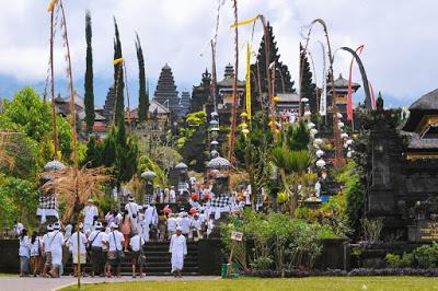 バリ島寺院入る時のルール