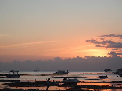 レンボンガン島の綺麗な写真