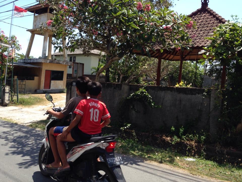 バリ島交通事情、バイク