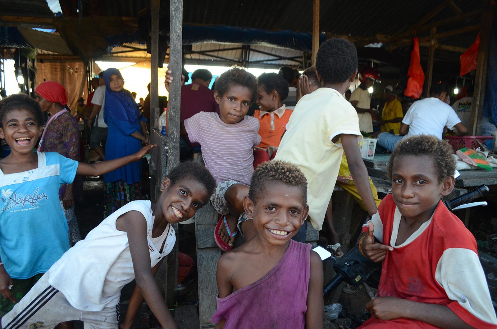 explore-papua-kids