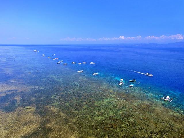 バリ島、レンボンガン島をドローンで空撮