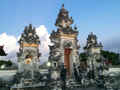 バリ島を自然災害から守る寺院