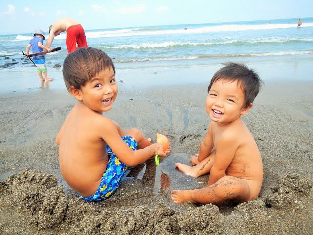 やっぱり砂浜最高!!GW家族旅行はバリ島のビーチで子供と遊ぶ!!
