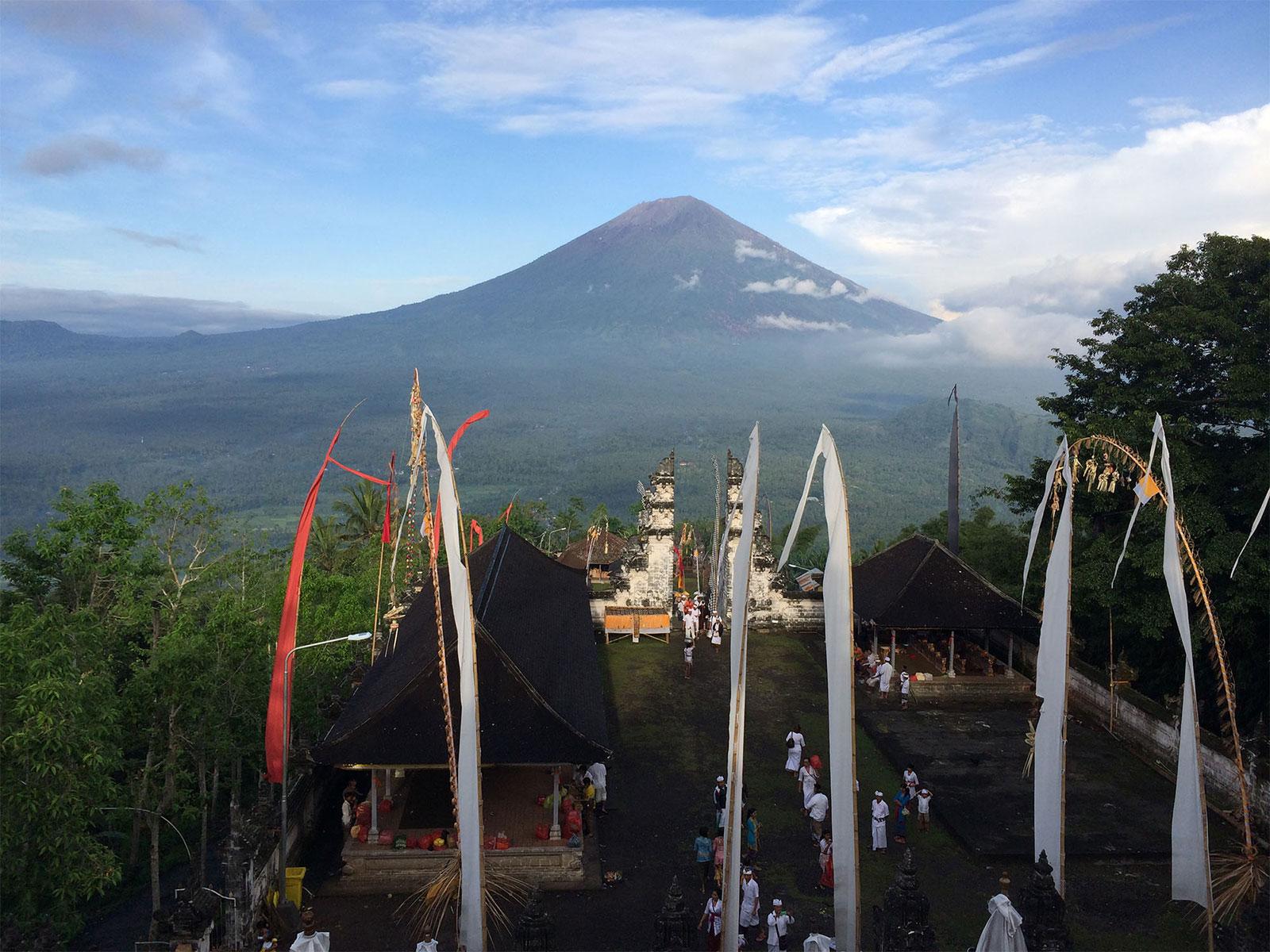 ランプヤン寺院本殿からの眺め