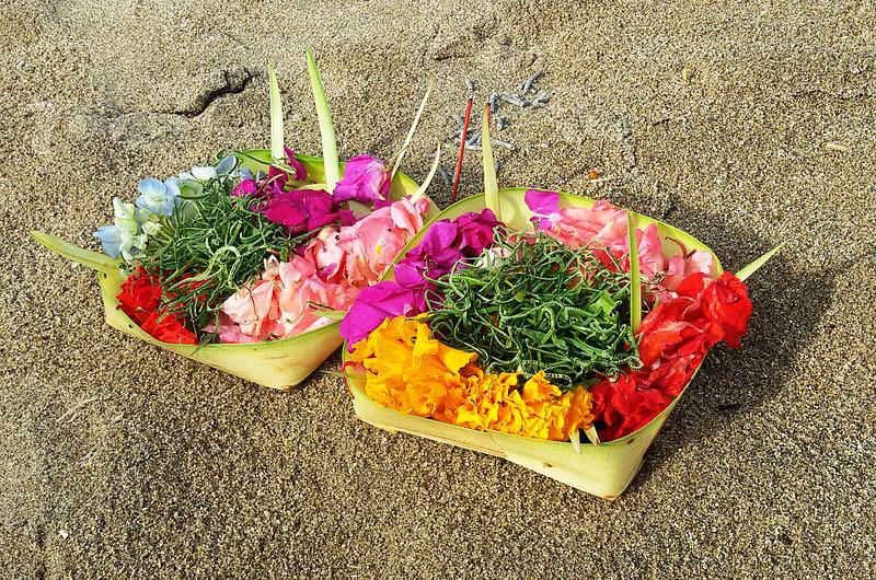 バリ島のお供え物
