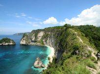 サンゴ礁に囲まれた絶景の楽園、ペニダ島