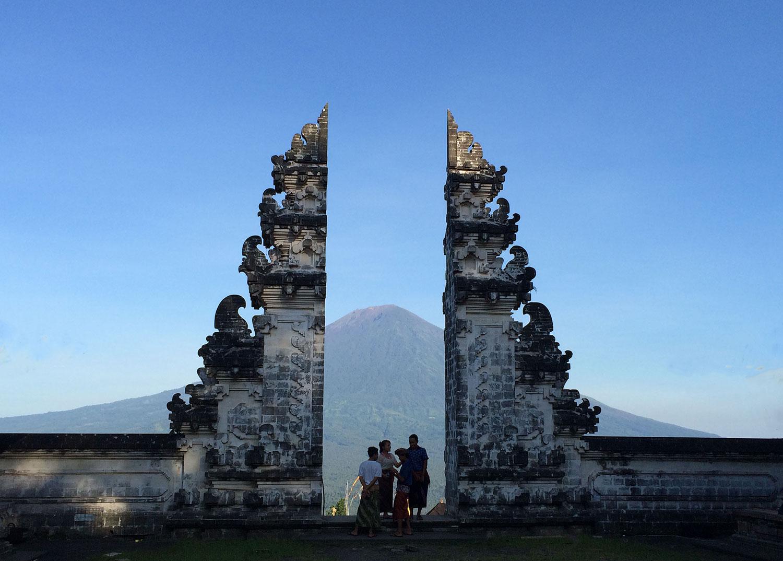 ランプヤン寺院の割れ門