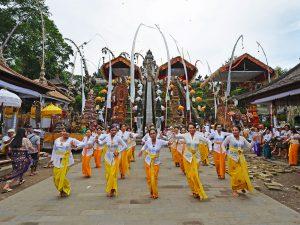 lempuyang-temple-ceremony