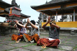 ランプヤン寺院で参拝体験