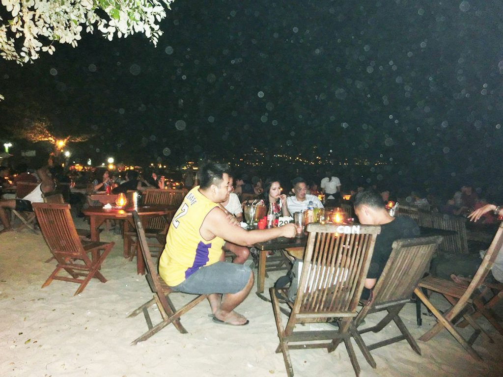バリ島ジンバランイカンバカール