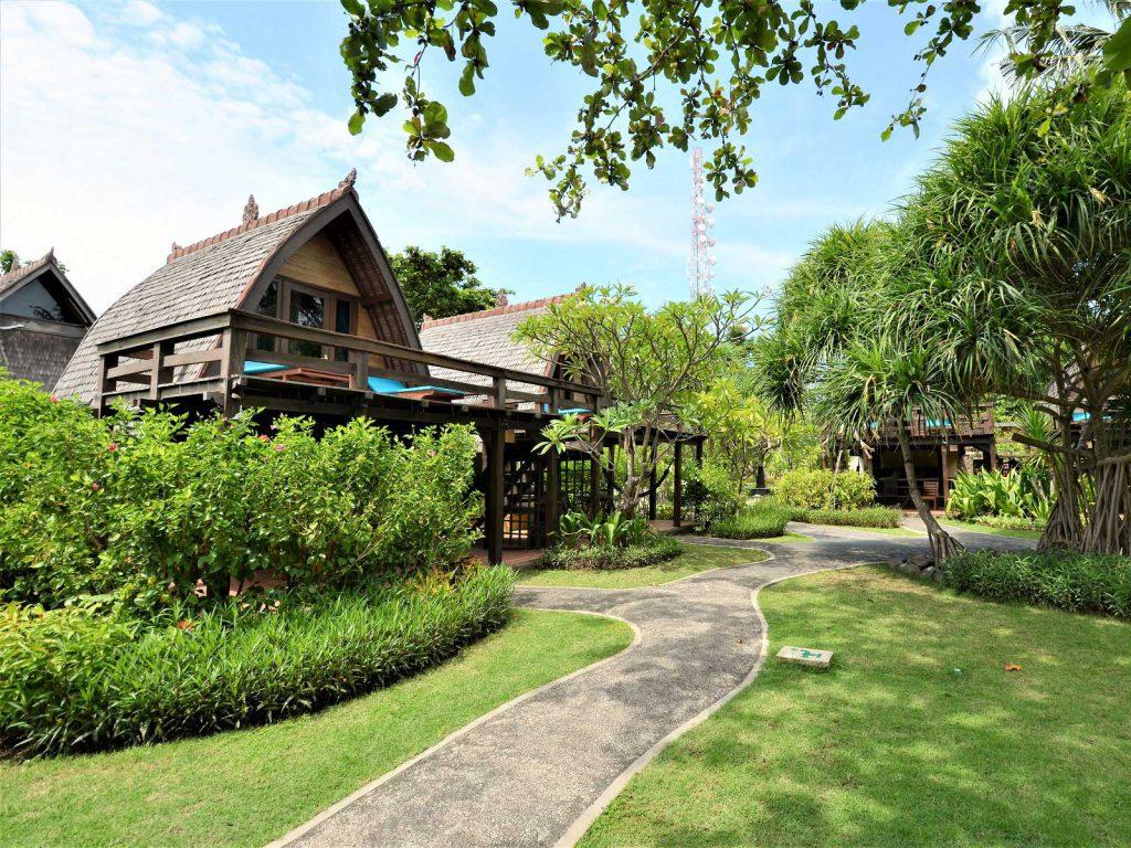 バリ島、ギリトラワンガンのホテル情報ヴィラオンバック