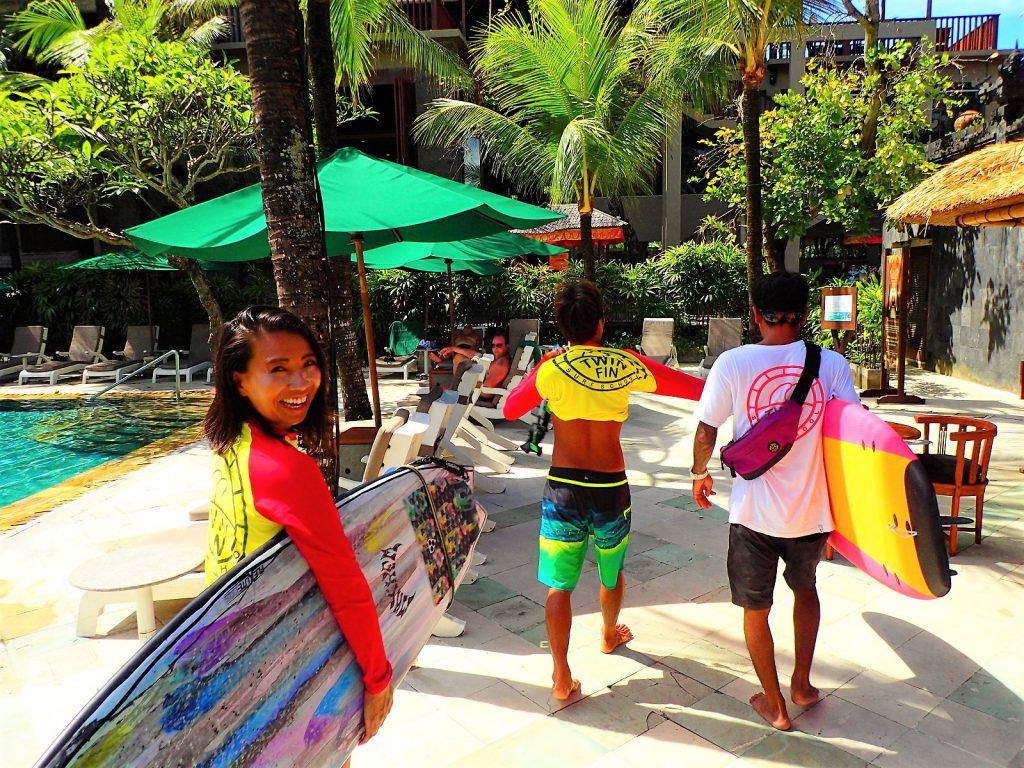 バリ島クタ・レギャンビーチのサーフィンスクール