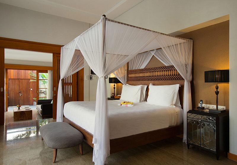 プールヴィラのベッド