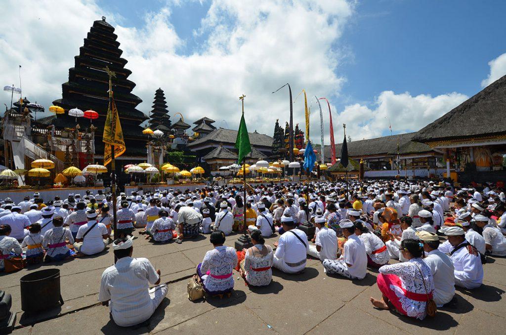 ブサキ寺院バリ島総本山