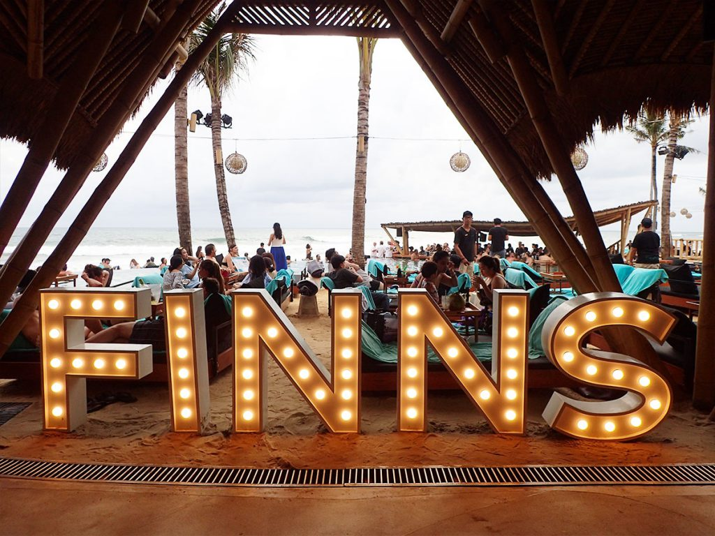 バリ島チャングーのビーチクラブ