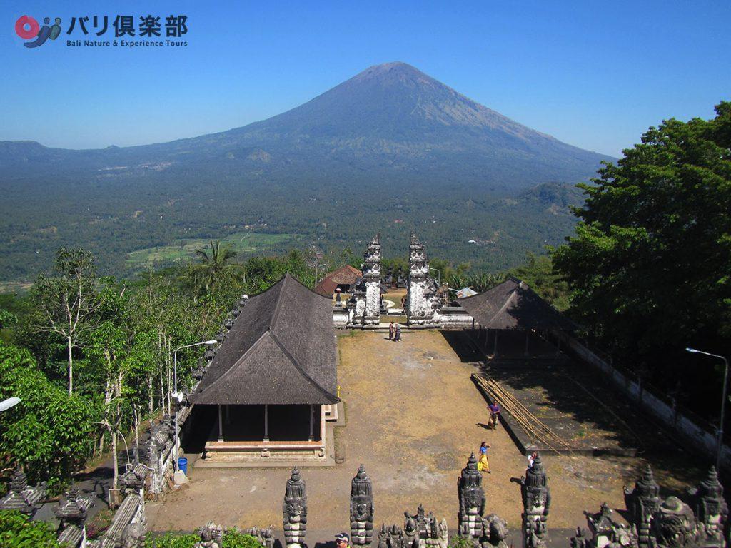 ランプヤン山麓の寺院
