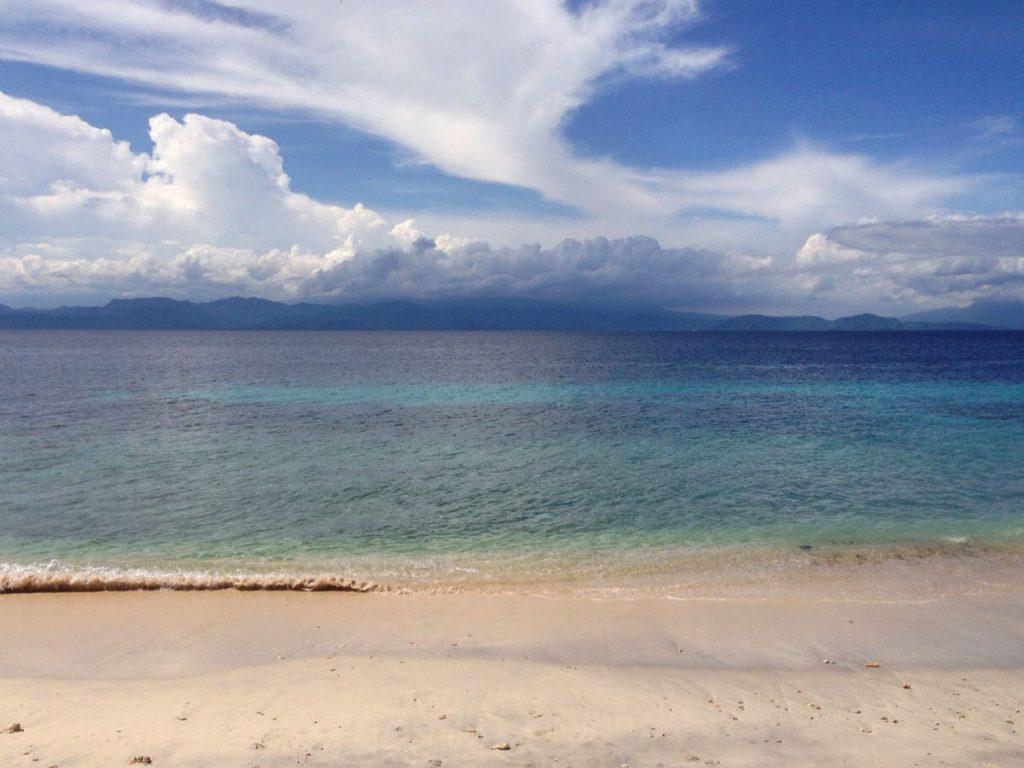 綺麗なペニダ島のビーチ
