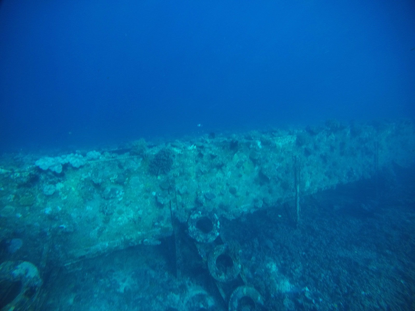 ギリ島沈没船