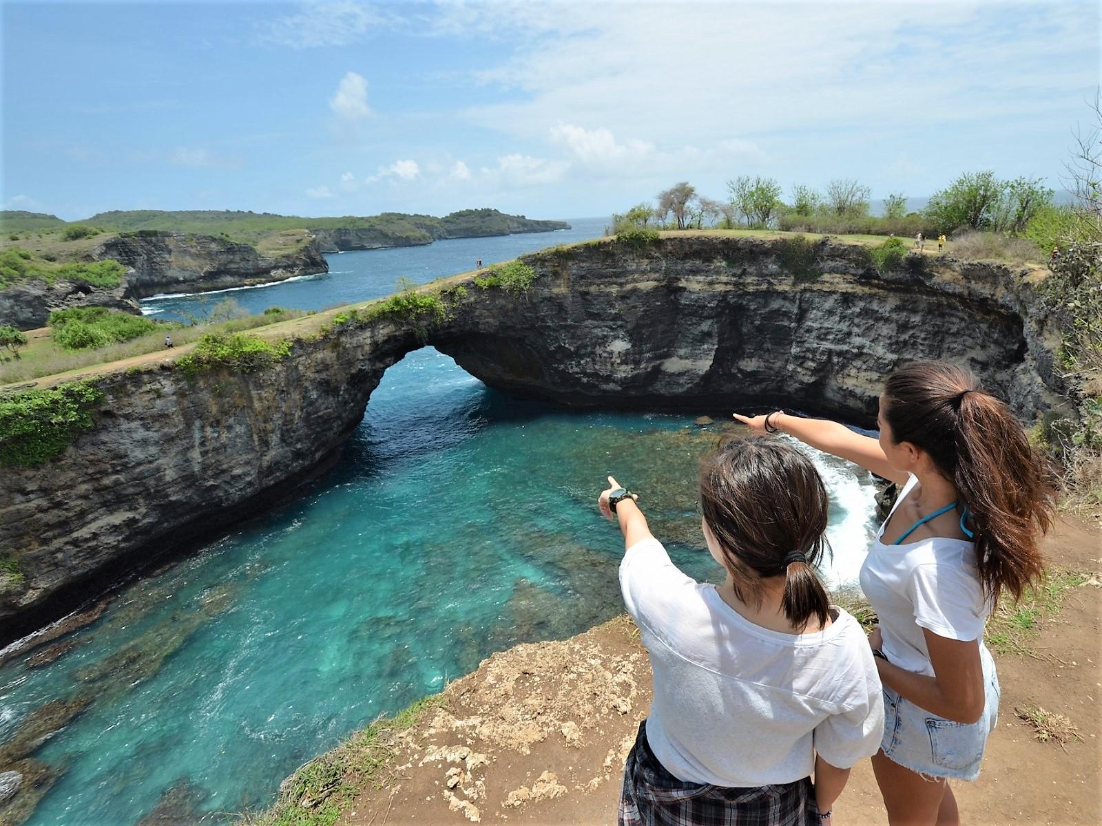 ペニダ島、クリンキンビーチ、ブロークンビーチ、エンジェルビラボンの紹介