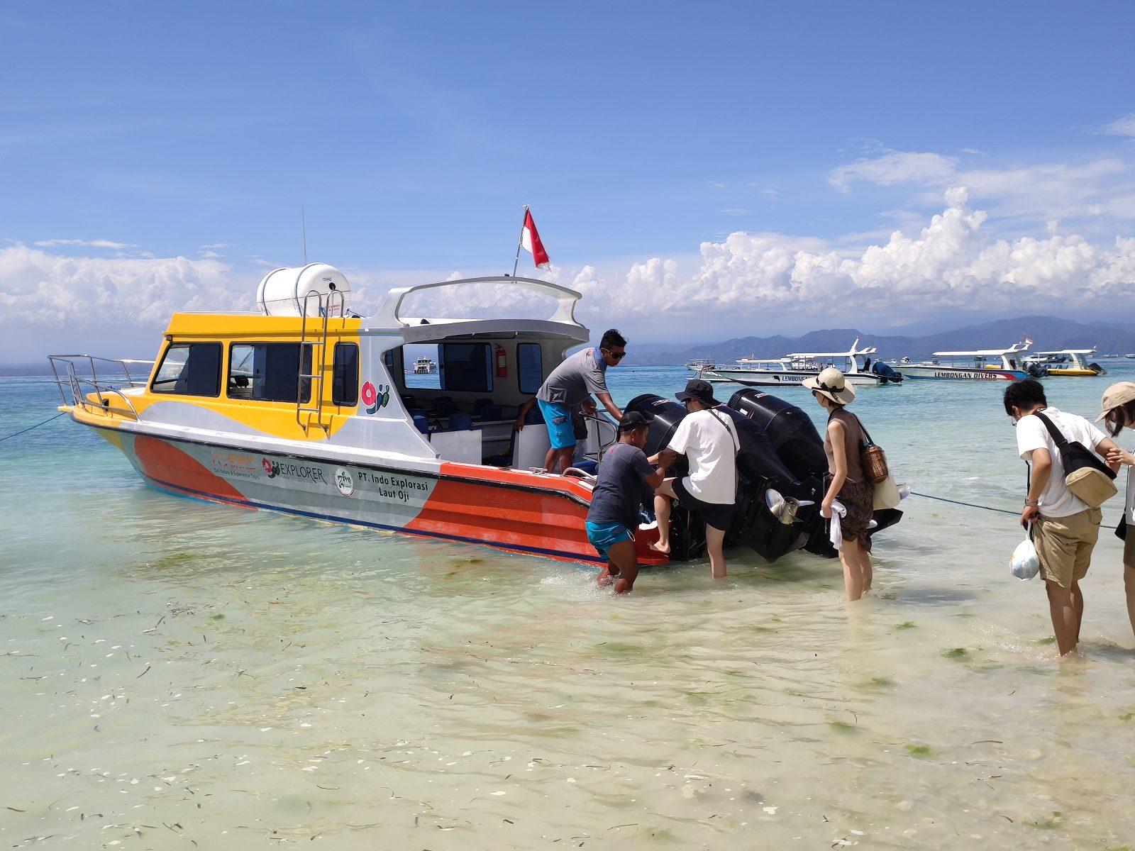 ペニダ島やレンボンガン島へ利用するスピードボート