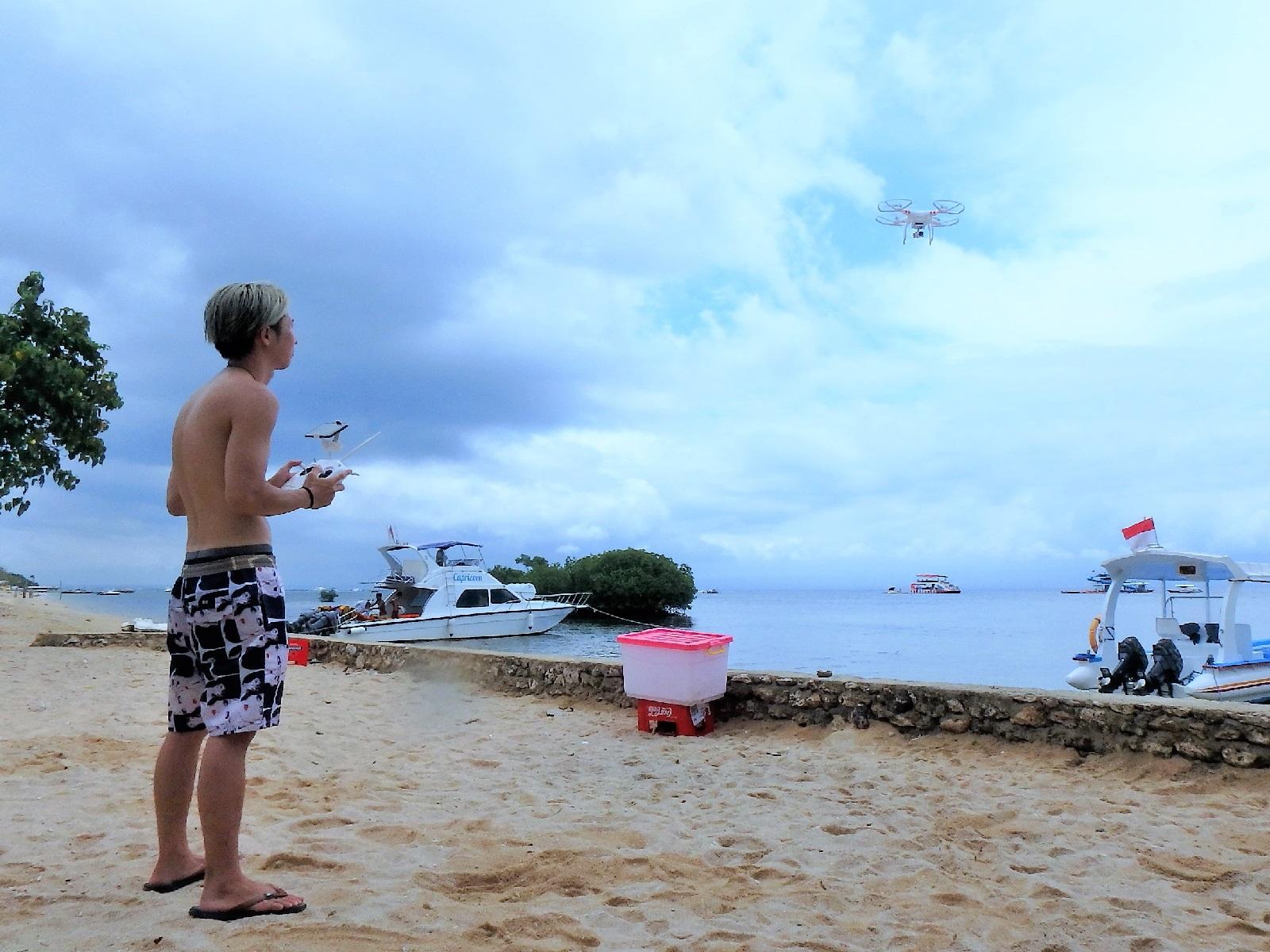 バリ島旅行のみかたホリ&カイリがレンボンガン島に行く