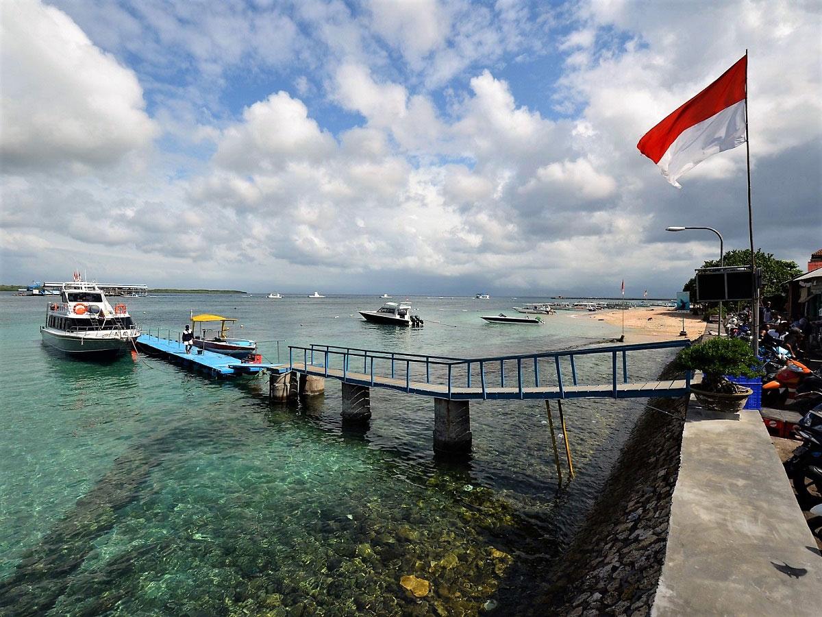 バリ島・ペニダ島絶景スポット巡りスピードボート