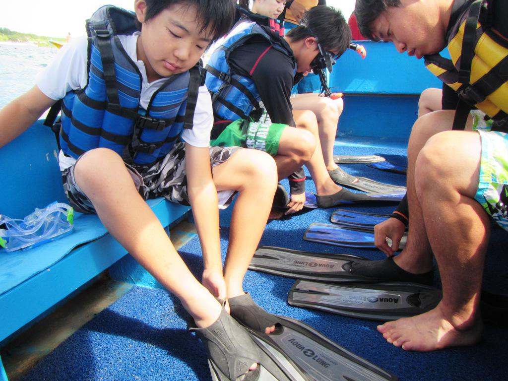 kids-homestay-snorkeling
