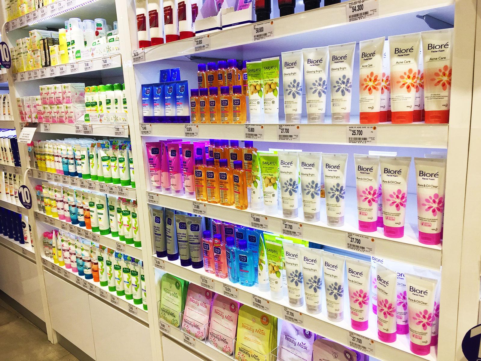 バリ島level 21 Mall、日本製化粧品