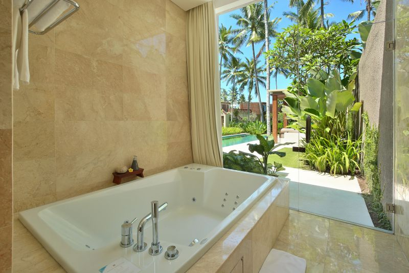Luxury_ocean_view_pool_villa3