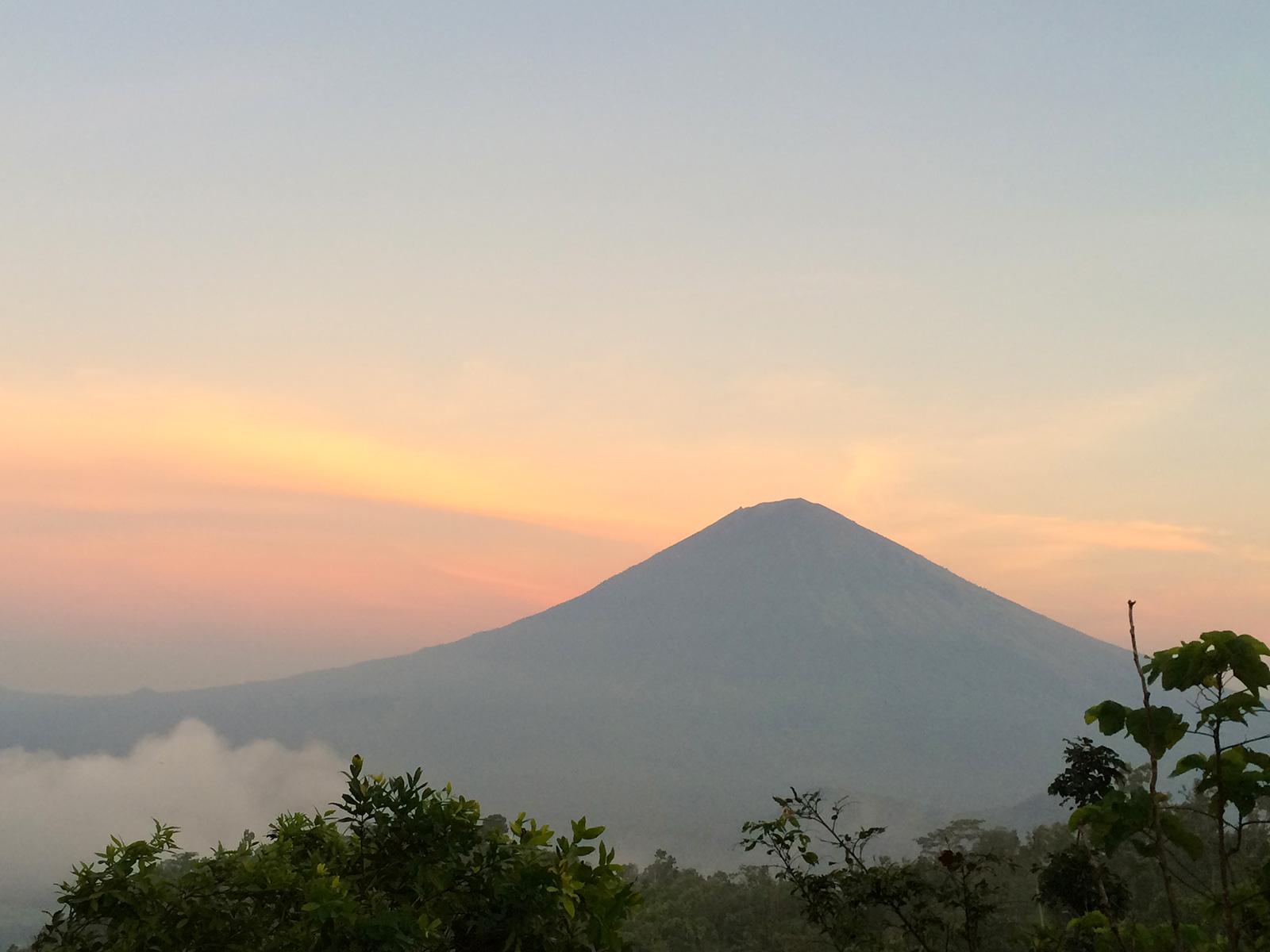 mount-agung-from-lempuyang