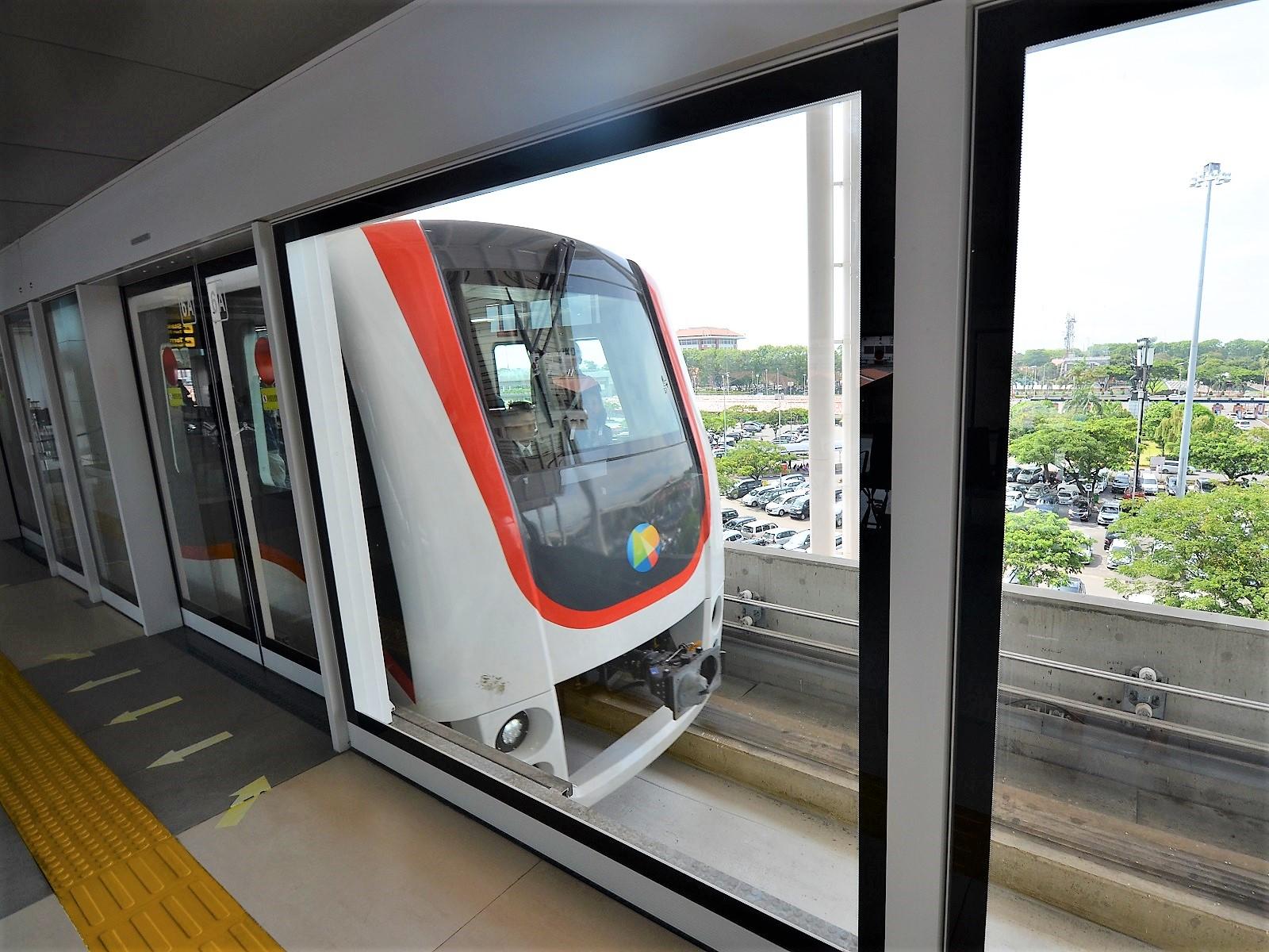 ジャカルタ空港鉄道、電車の時刻表・料金・乗車時間