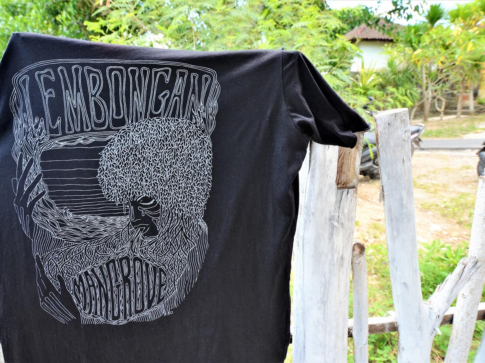レンボンガン島のお土産Tシャツ