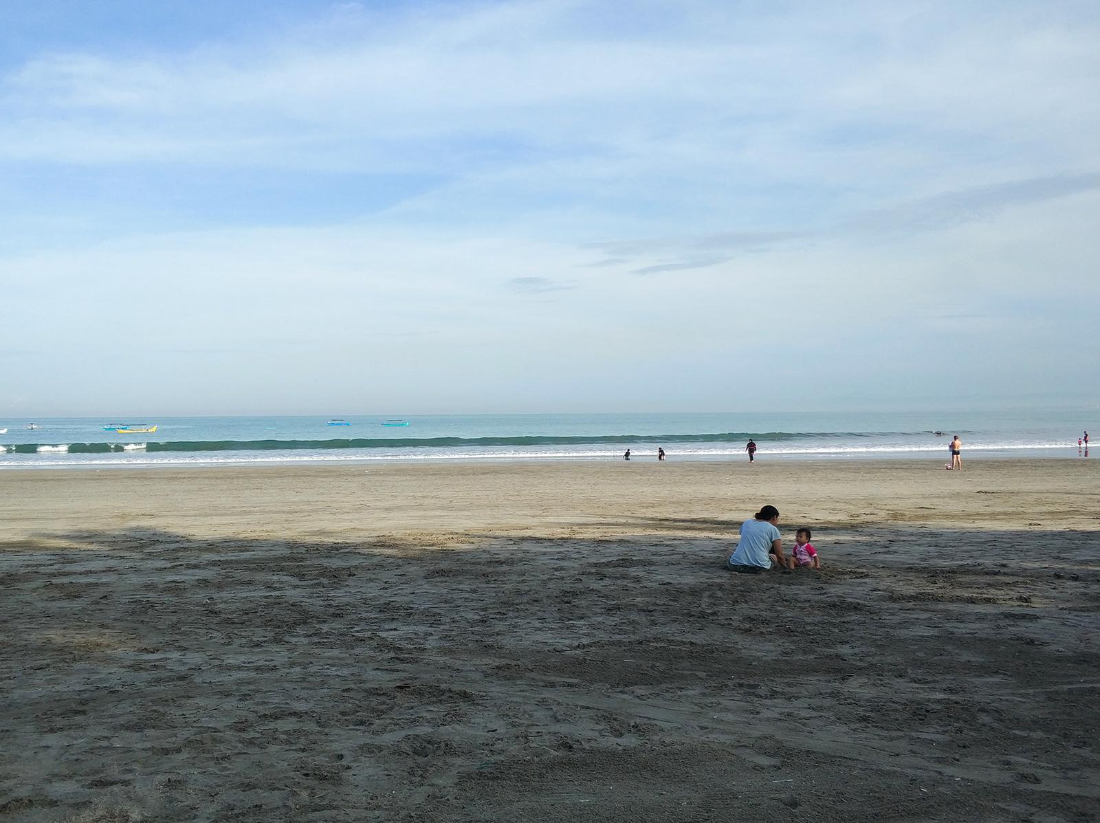 kuta-beach-morning2