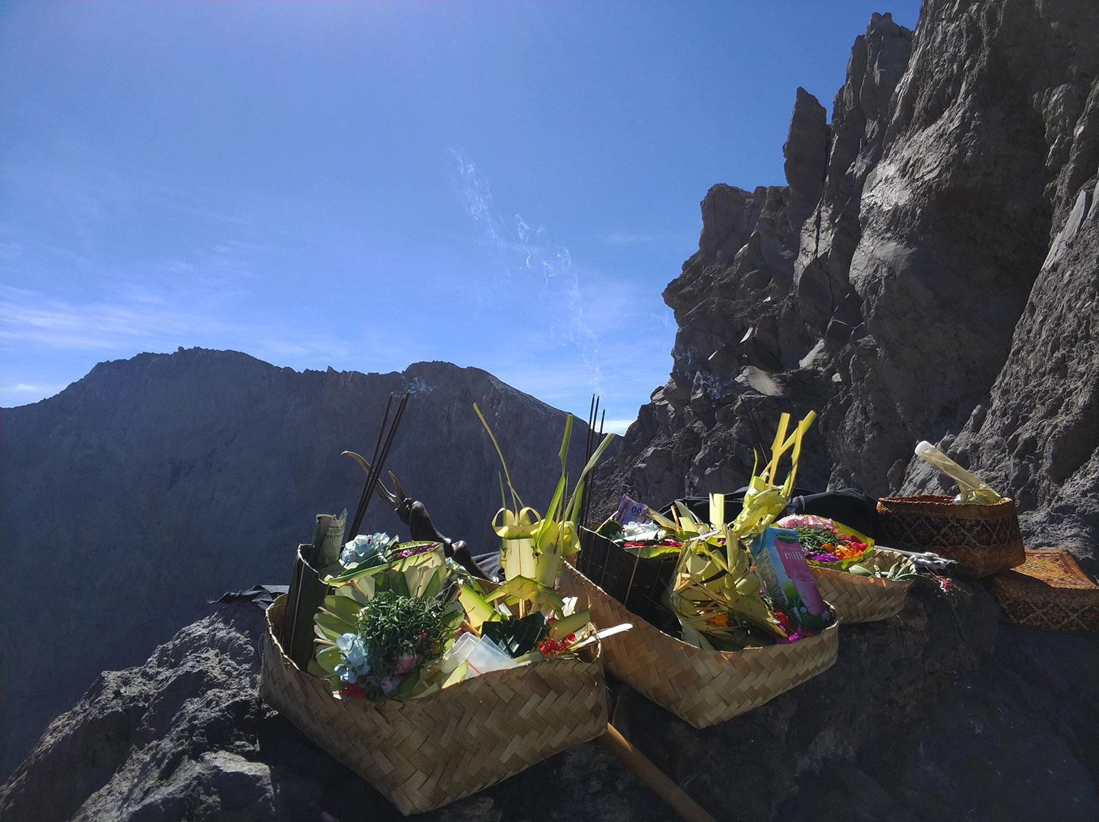 ceremony-mount-agung