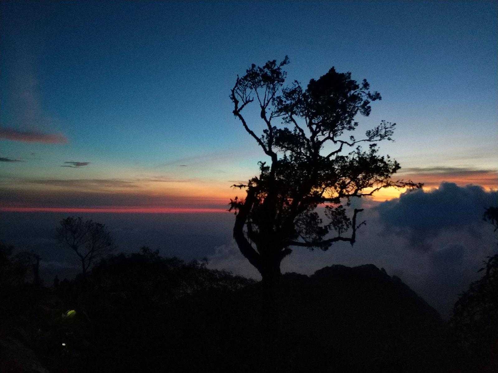 raung-campsite-sunrise