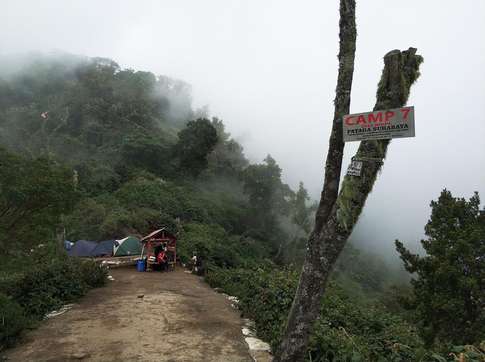 raung-campsite