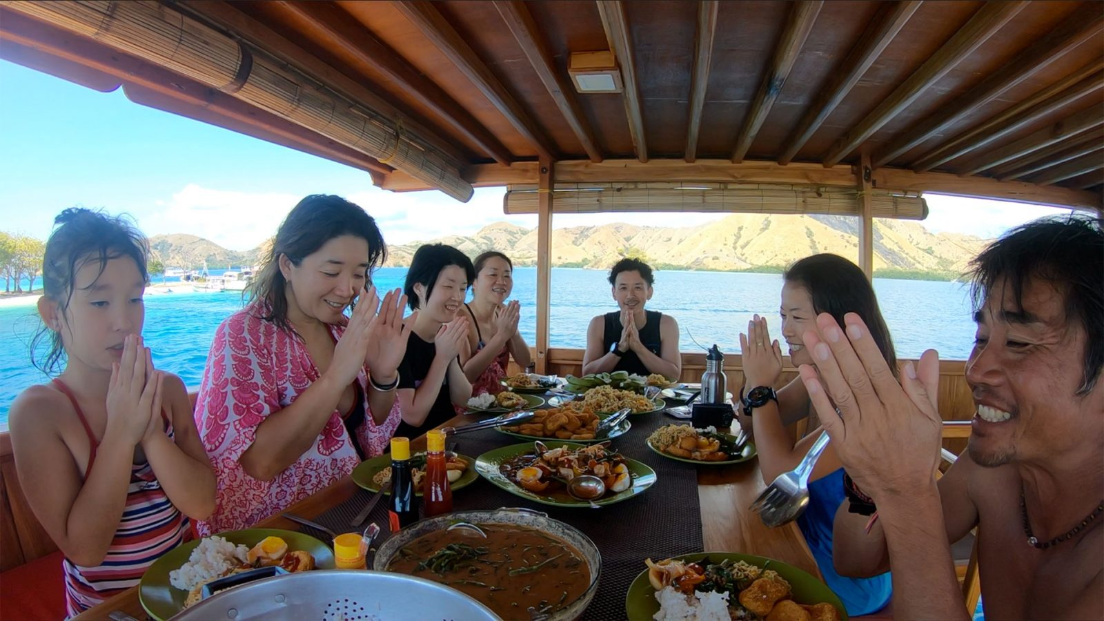 exploring-komodo-lunch