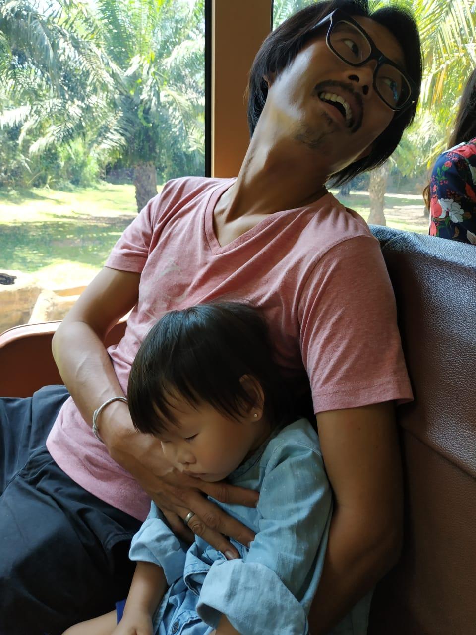 balisafari-inori-sleeping
