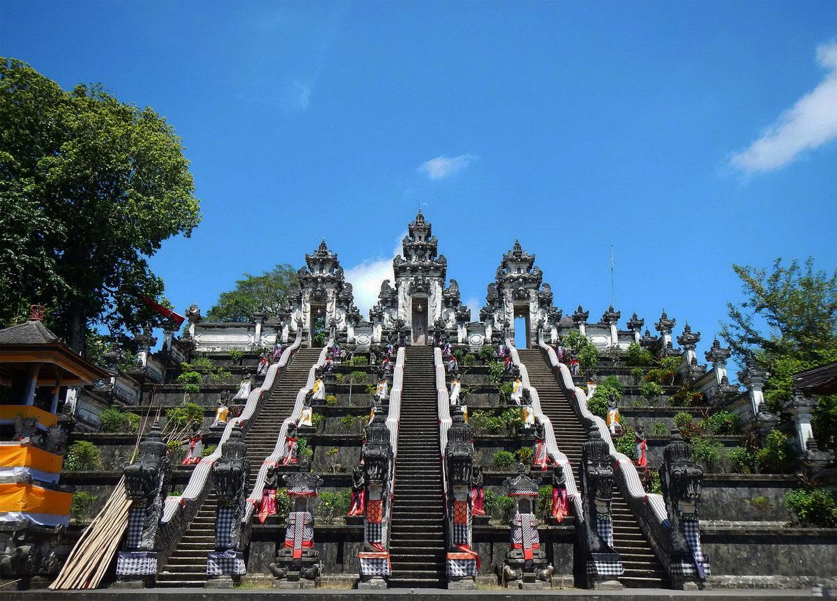 バリ島のランプヤン寺院