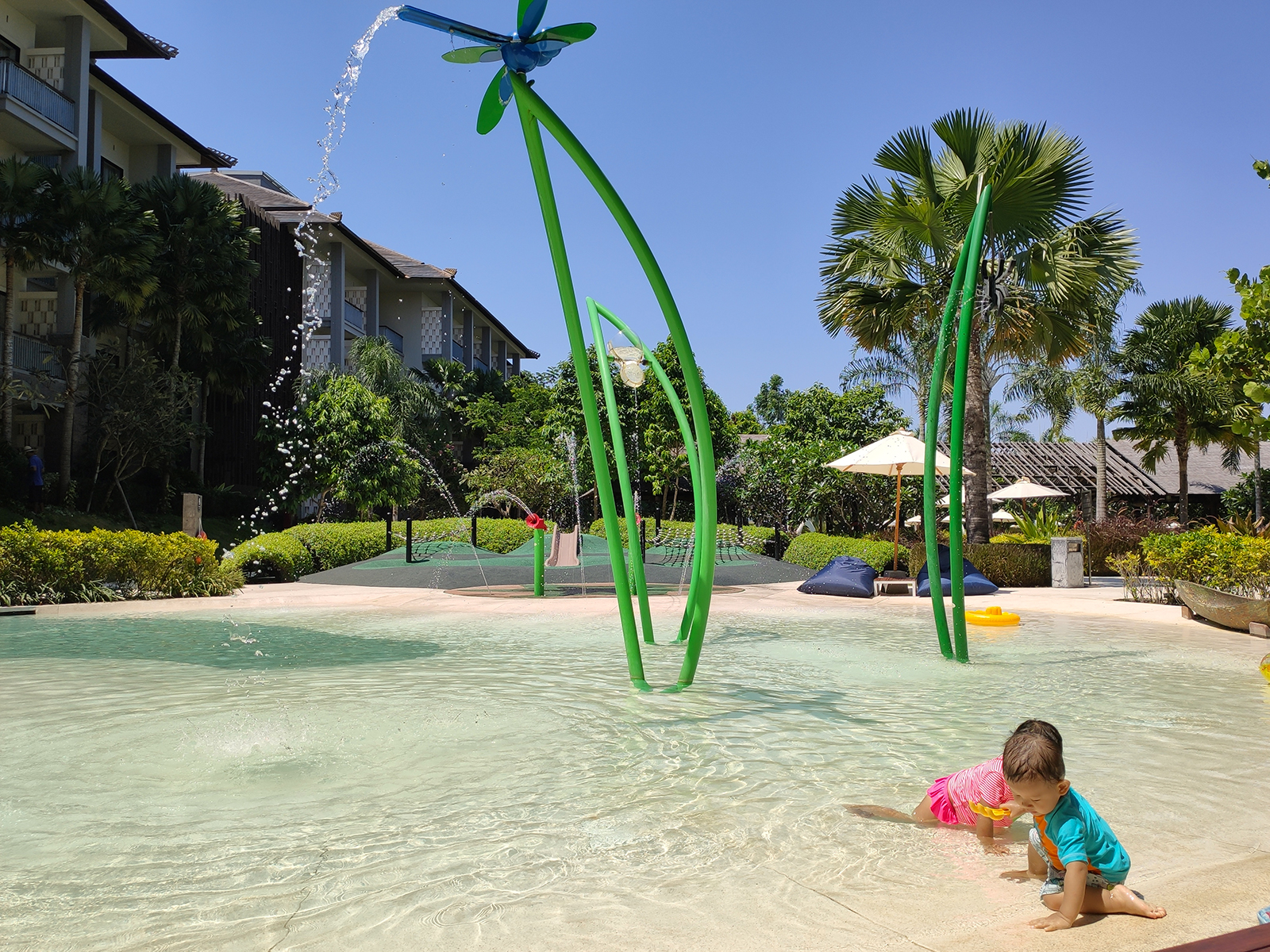 kids-pool-movenpick2