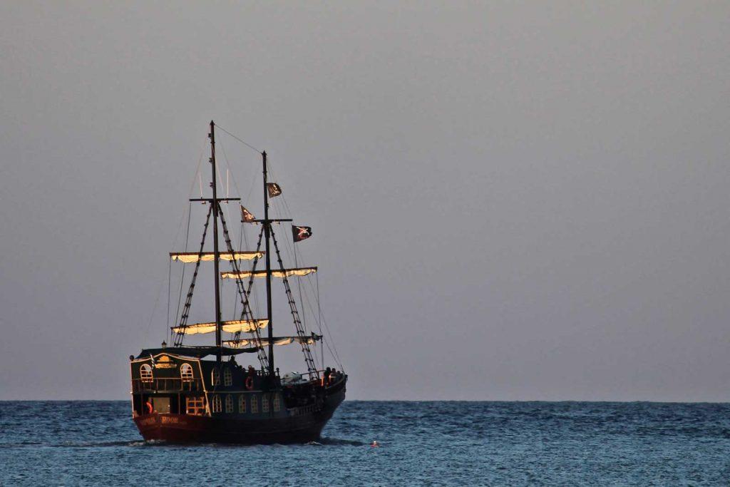 帆船で航海