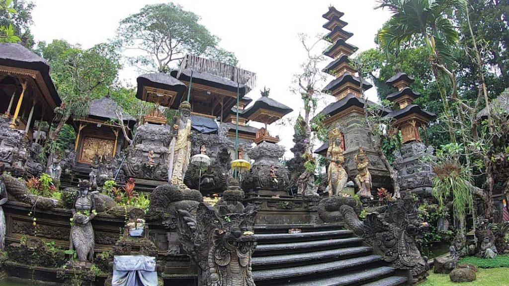 ウブドの寺院