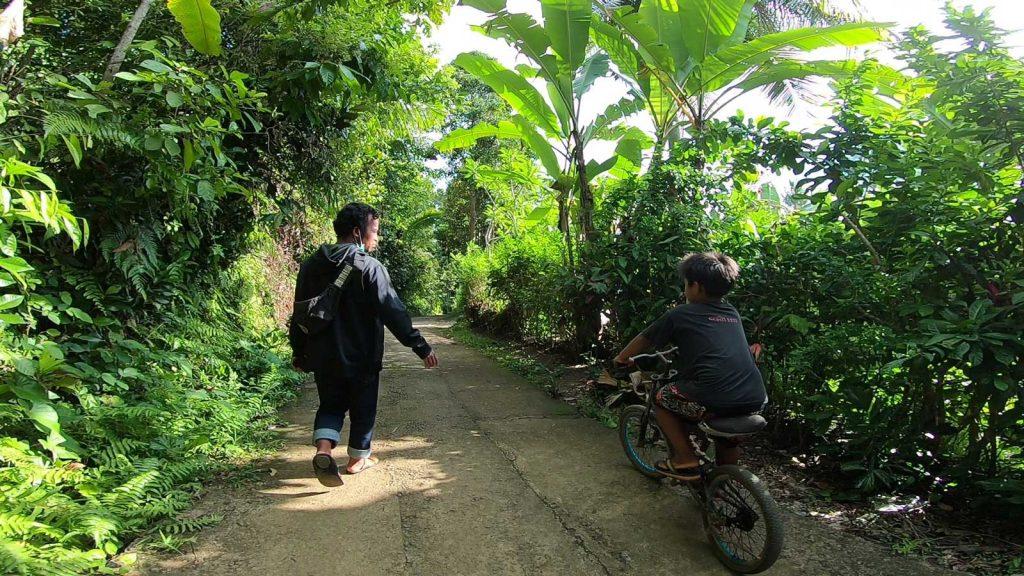 シデメン村を散歩