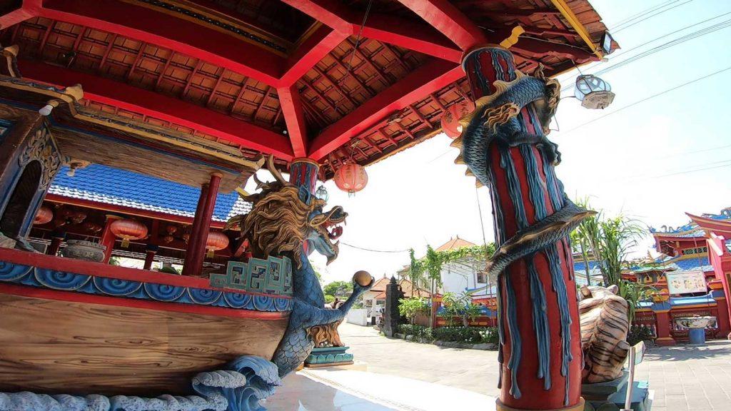 バリ島最古の中国寺院
