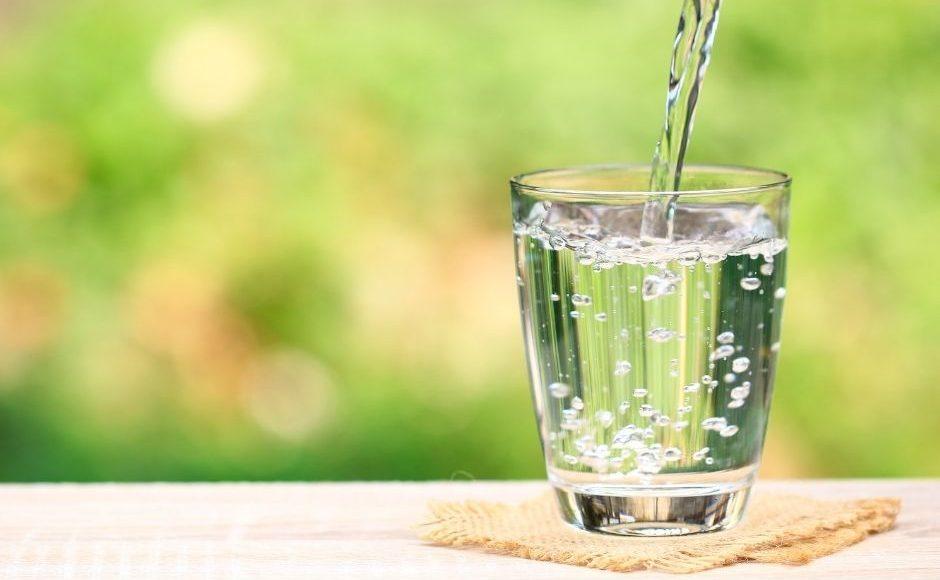 お水の入ったグラス