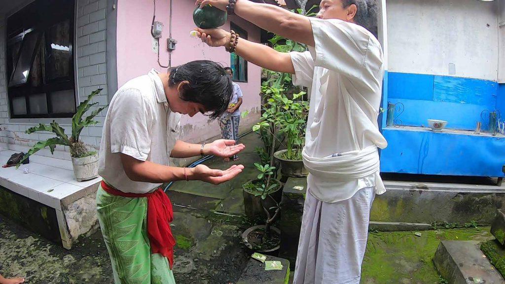バリ島の浄化の儀式
