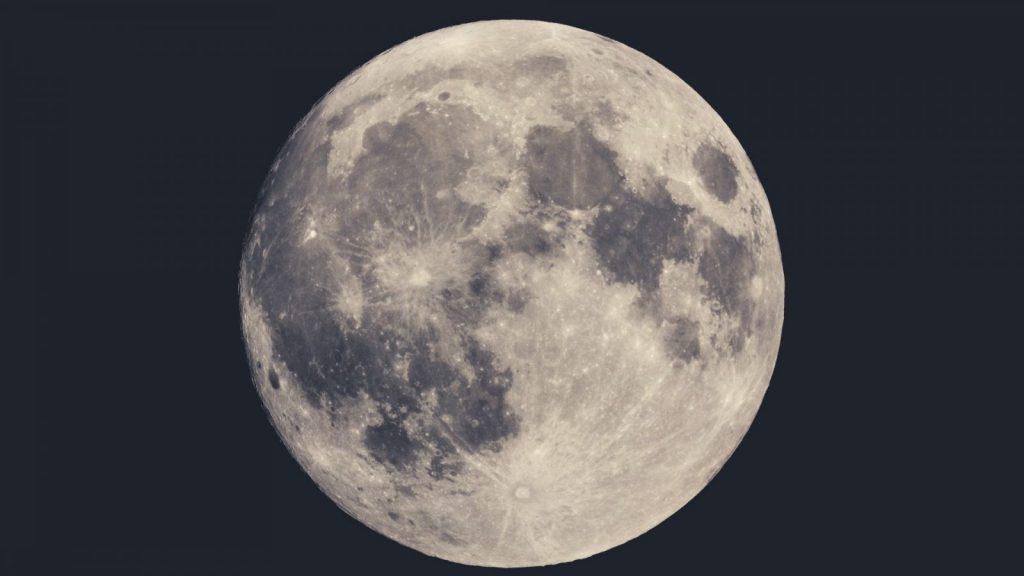 満月にヨガ