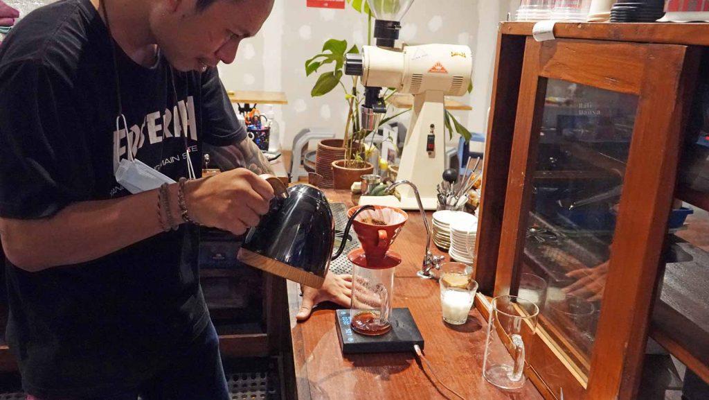 バリ島で最近流行りのカフェ