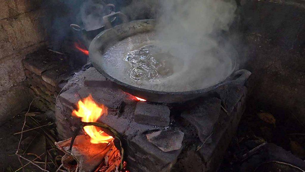 バリ島で黒糖を作っている村